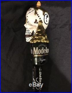 MODELO ESPECIAL & NEGRA MODELO DUAL SKULLS DIA DE LOS MUERTOS Beer Tap Handles